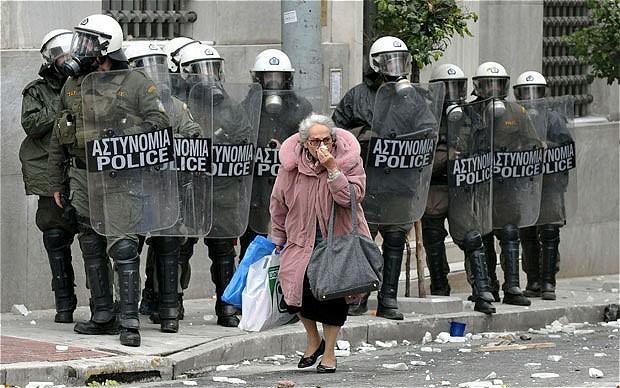 greece-riots_2584000b