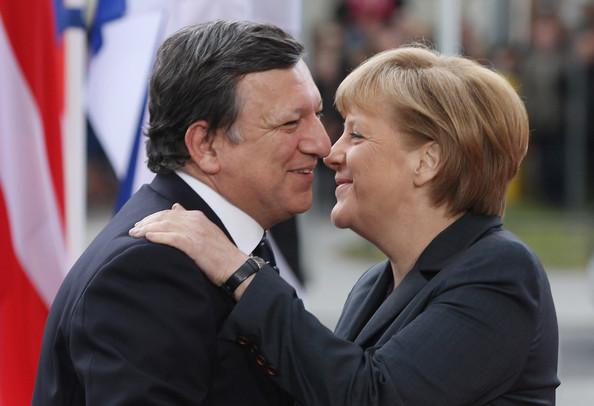 Barroso-merkel-love