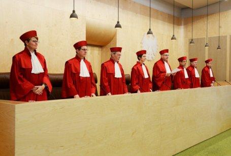 Karlsruhe stärkt Adoptionsrecht für Homosexuelle